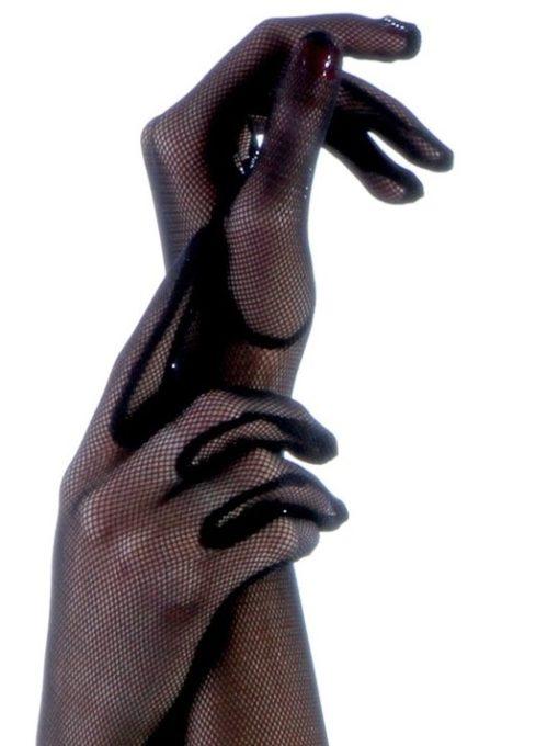 Gants noirs en résille