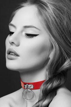 collier-en-cuir-noir-sm-anneau-rouge